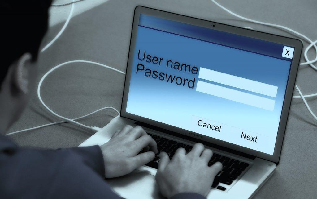 laptop-868816_1280